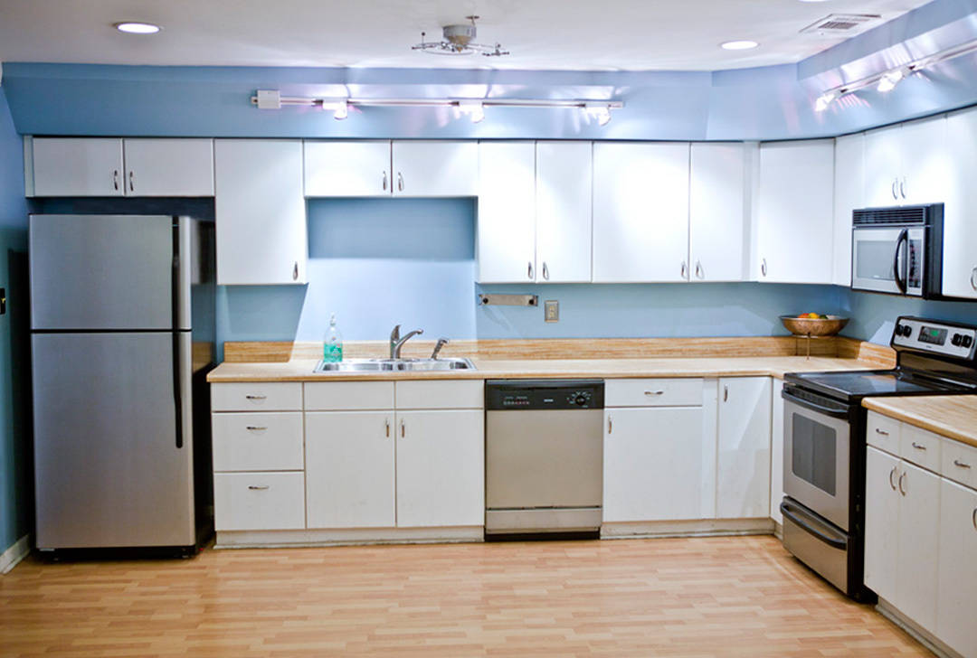 Atlanta-rental-studio-kitchen